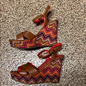 American eagle wedge heels
